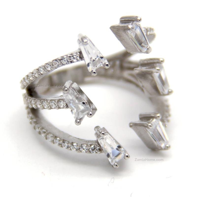 Ring with cz