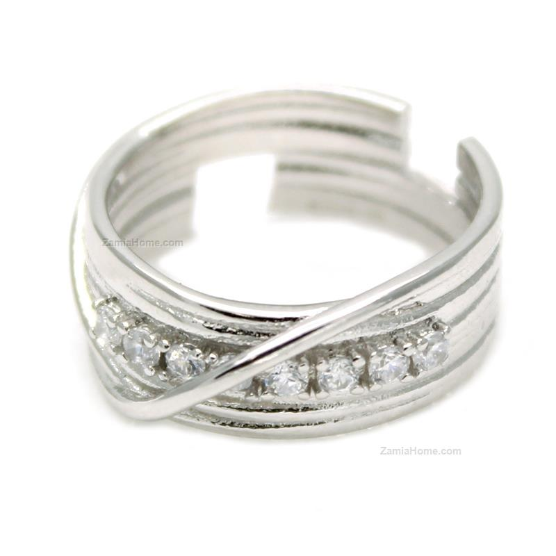 Ring with white cz