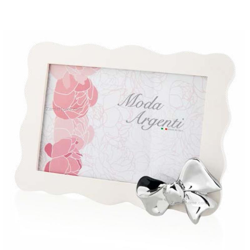 Photoframe with ribbon