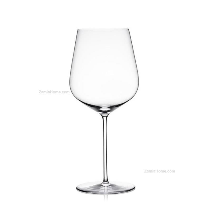 Red wine glasses aria
